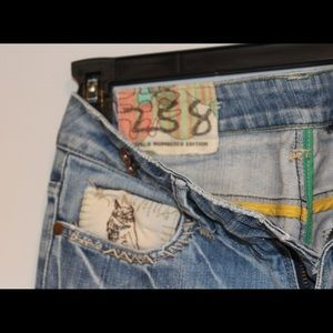Numbered Edition, Buffalo Jeans.